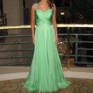 Sherri Hill green chiffon prom dress size 6